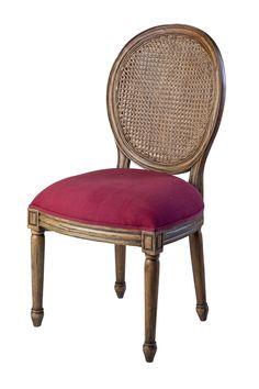 Стул Classic от производителя Good Wood. •Изготовлен из массива красного дерева. •Выполнен в отделке ANTIQUE FRENCH OAK D00. •У стула мягкая обивка сидения яркого цвета. Обратите внимание данная модель доступна и в другой обивке.             Метки: Кухонные стулья.              Материал: Ткань, Дерево.              Бренд: Good Wood.              Стили: Классика и неоклассика, Лофт.              Цвета: Коричневый, Розовый.