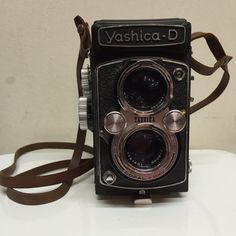 Camera Vintage Yashica-D by BoutiqueRetrodeco on Etsy