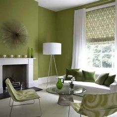 グリーンとホワイトでコーディネートされた部屋は、かなり爽やかな雰囲気。とりあえず、クッションカバーから緑色を取り入れてみてはいかがでしょうか?