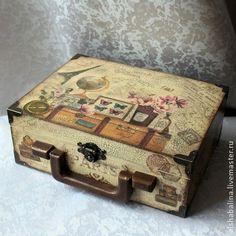 """Чемоданчик """"Большое французское путешествие"""" - коричневый,чемодан,Декупаж"""