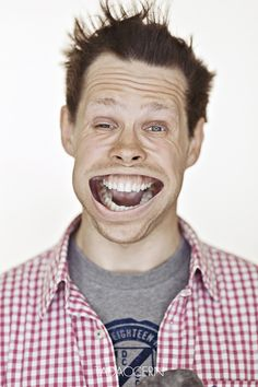 Hehehe... Photos of faces blasted with air!  (Photographer Tadao Cern)