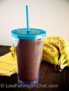 2 ripe banana 1/4 cup water  1 tbsp cocoa powder  handful of ice cubes (or sub 1 fresh banana for a frozen banana)