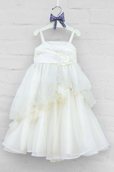 d0e530743 Alquiler de Vestidos de Pajecitas en Cali - Maribel Arango Novias - Separa  tu Cita con