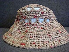 Plastic Bag Crafts crocheted into a Plarn Sun Hat Plastic Container Crafts, Plastic Bag Crafts, Plastic Bag Crochet, Recycled Plastic Bags, Plastic Grocery Bags, Recycled Yarn, Yarn Crafts, Crochet Yarn, Recycled Clothing