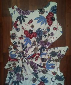 images attach c 6 90 68 Sewing Paterns, Dress Sewing Patterns, Blouse Patterns, Clothing Patterns, Drape Dress Pattern, Pattern Draping, Batik Fashion, Moda Fashion, Knot Dress