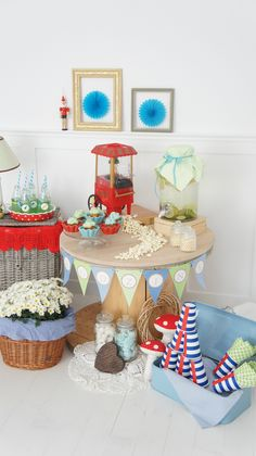 Red and blue popcorn party
