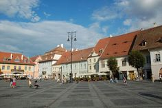 Sibiu, Rumania Street View, Mansions, House Styles, City, Places, Romania, Manor Houses, Villas, Mansion