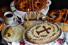 Coliva traditionala - CAIETUL CU RETETE Camembert Cheese, Biscuit, Recipes, Food, Kitchens, Romanian Food, Cookie Favors, Meal, Eten