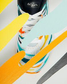 The Mizuno Wave Skyrise Amsterdam Marathon Running Shoes for men are designed for comfort over distance runs. One of the best marathon running shoes we've seen this year. Best Marathon Running Shoes, Best Running Gear, Running Watch, Best Running Shoes, Running Singlet, Running Jacket, Running Tights, Amsterdam Marathon, Charity Run