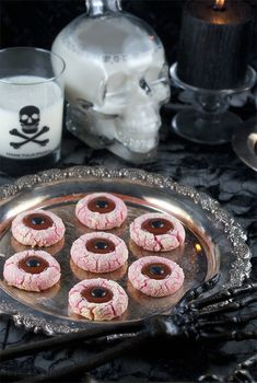 Halloween Food:  Eyeball Butter Cookies from Gouda Monster