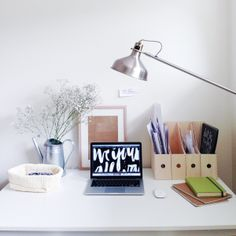 The workspace of Jasmine Dowling.