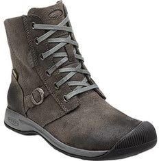 Keen Reisen Boot WP - Black with FREE Shipping & Returns. A trend-right ankle boot with city style and weekend comfort, the Reisen