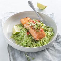 Broccoli rice with salmon - Lovely Food; Vegetarian Recipes Dinner, Dinner Recipes For Kids, Kids Meals, Easy Healthy Recipes, Healthy Cooking, Healthy Salads, Healthy And Unhealthy Food, I Want Food, Pasta