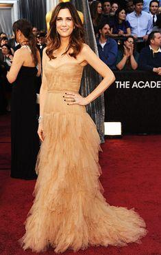 Kristen Wiig in J. Mendel on the red carpet at the 2012 Oscars