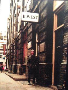 twiggalina: David em Heddon Rua posando para um fã em 1981