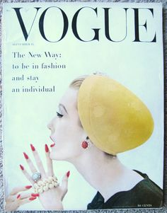 62 Ideas Fashion Art Poster Vogue Covers For 2019 Vogue Fashion, Fashion Art, Editorial Fashion, Vintage Fashion, High Fashion, Fashion Logos, Vintage Glam, Vintage Models, Fashion Graphic