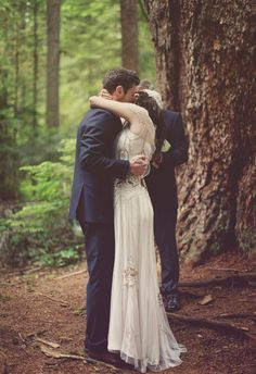 A Seattle wedding photo taken by Aubrey Joy Photography - Meghan & Eric  at Snoqualmie National Forest