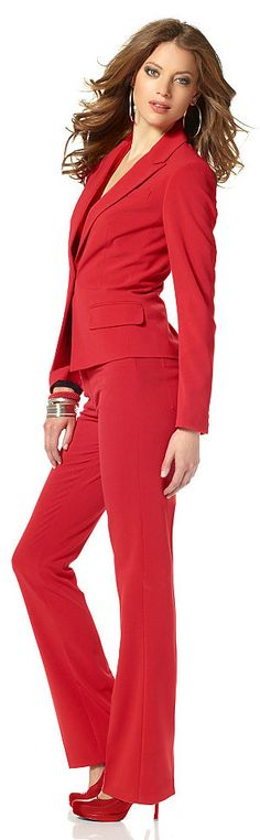 smart casual red suit - All About Red Fashion, Suit Fashion, Womens Fashion, Business Chic, Red Suit, Office Fashion, Look Chic, Costume, Work Attire