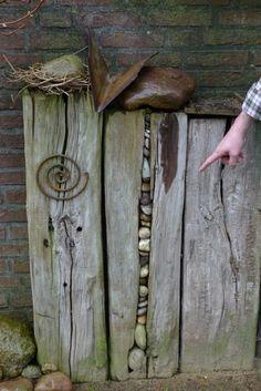 Steine im Holzbalken – Karin Urban – NaturalSTyle Stones in the wooden beam Karin Urban – Natural STyle Dream Garden, Garden Art, Driftwood Art, Land Art, Stone Art, Garden Projects, Rock Art, Garden Inspiration, Outdoor Gardens