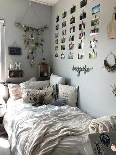 Schlafsaal-Mädchen-Erstsemester-Schlafsaal SCAD #女の子 #寮 No related posts. Dormitory Room, Dorm Room Designs, Teenage Room Designs, Cute Room Decor, Diy Room Decor Tumblr, Tumblr Rooms, Room Inspo Tumblr, Room Wall Decor, Room Ideas Bedroom