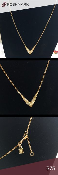 """NWOT ALEXIS BITTAR MISS HAVISHAM NECKLACE NWOT Alexis Bittar Miss Havisham liquid gold plated necklace. V shaped pendant completely encrusted with countless tiny Swarovski crystals. 16 """" long 3 """" extender. Alexis Bittar Jewelry Necklaces"""