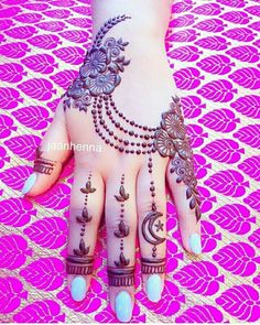zo mooi (henna) Indian Henna Designs, Latest Arabic Mehndi Designs, Mehndi Designs 2018, Simple Mehndi Designs, Bridal Mehndi Designs, Arabic Design, Wrist Henna, Finger Henna, Eid Henna
