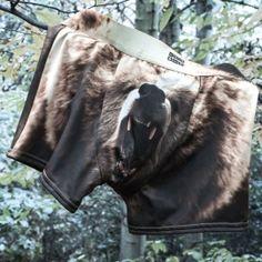 Grizzly Bear Alushousut