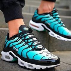 Nike air max plus or Vapor max? Cute Nike Shoes, Nike Air Shoes, Cute Sneakers, Nike Shoes Outfits, Air Max Sneakers, Sneakers Nike, Nike Air Max Tn, Tn Nike, Nike Air Max Plus