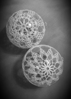 Adelina's media content and analytics Christmas Balls, Christmas Holidays, Christmas Decorations, Crochet Ball, Crochet Angels, Crochet Snowflakes, Ball Ornaments, Silk Ribbon, Kugel
