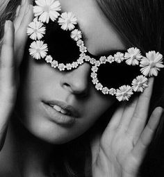 sunglasses art Creem Magazine March 2014 features Mercura NYC Daisy Extreme Cat Eye Sunglasses Photographed by Gary Lupton Funky Glasses, Creem, Fashion Eye Glasses, Shady Lady, Wearing Glasses, Flower Fashion, Cat Eye Sunglasses, Crazy Sunglasses, Pretty Woman