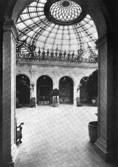 Astor Family Mansions | The Gilded Age Era: The Enclosed Court Of The Astor Mansion