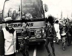 Punks num protesto na Inglaterra, em 1983.