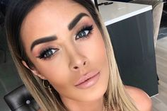 """HIT INTERNETU! Magdalena Pieczonka znalazła niecodzienne zastosowanie szminek. """"Najlepsza motywacja ever"""" [VIDEO] - alaLUNA.pl My Hair, Makeup, Random Stuff, Fashion, Make Up, Random Things, Moda, Fashion Styles, Beauty Makeup"""