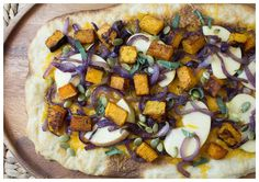 We love sweet and savory combos, and this flatbread is a winter favorite at HelloFresh. Sweet apples and roasted butternut squash are complimented by sage, a pinch of chili powder, and sharp cheddar cheese, all served over a flatbread!