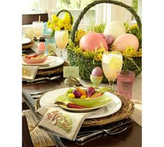 <3 Easter Table