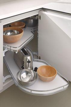 Soluciones en armario bajero esquina Kitchen Cabinet Drawers, Kitchen Cabinets, Kitchen Aid Mixer, Espresso Machine, Coffee Maker, Kitchens, New Ideas, Closets, Flats