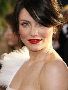 Cameron Diaz ~ close-up for Mab, Queen of the North. Pale skin, black hair, and blood-red lips give her a deadly beauty that one does not mess with lightly.