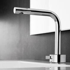 An iconic new design by world renowned Naoto Fukasawa for Fantini, the Fukasawa Single Control Mixer is highly elegant, contemporary and perfectly suited to the luxury bathroom. Bathroom Tapware, Marble Tile Bathroom, Master Bathroom, Modern Bathroom Design, Contemporary Bathrooms, Kitchen Design, Mixer Tap Design, Modern Mixers, Shower Taps