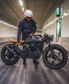 "13.6k Likes, 61 Comments - Cafe Racers | Customs | Bikes (@kaferacers) on Instagram: ""Happy Sunday everyone! We are enjoying this Honda CX500 built by Ironwood Customs. #kaferacers…"""