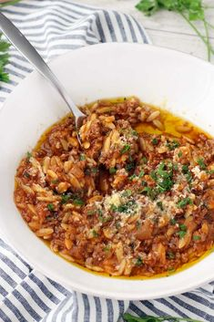 greek food Manestra- the BEST simple Greek comfort food made with orzo, ground beef (or lamb or turkey), onions, and tomato with mint and cinnamon. Orzo Recipes, Dinner Recipes, Cooking Recipes, Healthy Recipes, Greek Food Recipes, Authentic Greek Recipes, Risoni Recipes, Best Greek Food, Amish Recipes