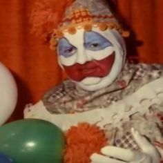 John Wayne Gacy was a serial killer who murdered at least 30 teenage boys and young men between 1972 and 1978 in the Chicago area. Click to read more true crime stories True Horror Stories, Scary Stories, Scary Documentaries, Criminal Profiling, Famous Serial Killers, Joker Clown, John Wayne Gacy, Weird World, True Crime