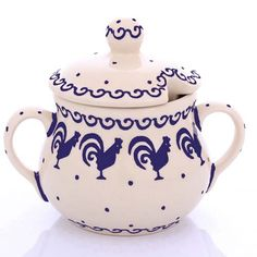 Polish pottery made in Boleslawiec with moulds.