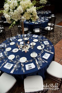 Amazing Donu0027t Like The Blue With This, But Cute Table Setting