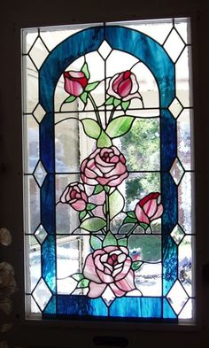Stained-Glass: Roses #stained-glass window.