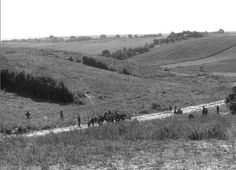 1979 r. kierunek S, widok na os. Ruta od strony ul. Juranda, dzisiaj wąwóz i tzw. osiedle Wiśniowy Sad Autorzy zdjęć: M. Linkowska  i M. Sachadyn.