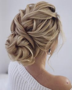 super chic hairstyles That's breathtaking- Updo braided updo, simple updo, swept back bridal hair, updos, wedding hairstyles - Chic Hairstyles, Braided Hairstyles Updo, Wedding Hairstyles For Long Hair, Wedding Hair And Makeup, Braided Updo, Bridesmaid Hairstyles, Gorgeous Hairstyles, Hairstyle Ideas, Hair Ideas