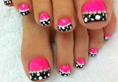 French Pedicure Designs Toenails White Polka Dots Ideas For 2019 Pedicure Colors, Pedicure Nail Art, Toe Nail Art, Pedicure Ideas, Fall Pedicure, Wedding Pedicure, Flower Pedicure Designs, Black Pedicure, Toenail Art Designs