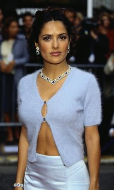 Salma Hayek was a true fashion star in the – see her style! Salma Hayek was a true fashion star Star Fashion, 90s Fashion, Fashion Outfits, Fashion Trends, Couture Fashion, Runway Fashion, Style Année 90, Her Style, Mohair Cardigan