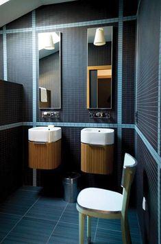 Salle de bain contemporaine en mosaïque bleu clair