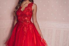 Alkalmi és menyecske ruhák bérlése, vétele Szegeden és Budapesten Formal Dresses, My Style, Red, Wedding, Image, Fashion, Dresses For Formal, Valentines Day Weddings, Moda